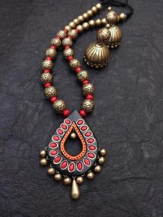 High Quality, Niche design ,Rich colors ,Intricate Terracotta work for Diva in you . Terracotta Jewellery Making, Terracotta Jewellery Designs, Terracotta Earrings, Beaded Necklace Patterns, Jewelry Patterns, Beaded Jewelry, Wooden Jewelry, Antique Jewelry, Polymer Clay Necklace