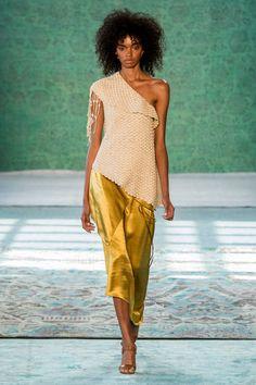 Hellessy at New York Fashion Week Spring 2017 - Runway Photos