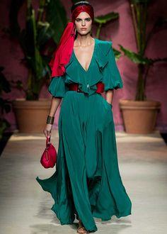 Vogue Fashion, Fashion 2020, Runway Fashion, Womens Fashion, Ball Dresses, Nice Dresses, Red Slip Dress, Colourful Outfits, Elegant Outfit