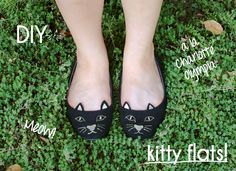 Glitter Mint Blog: Here Kitty, Kitty... how to make your own kitty flats!  A copy of Charlotte Olympia's kitty flats, and very clever!