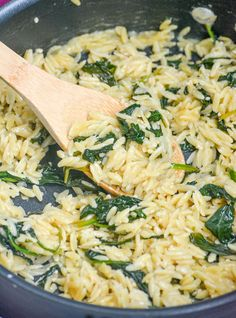 Pasta is a versatile meal in any form, just take this creamy Spinach Parmesan Orzo for example. Creamy orzo pasta in a Parmesan cream sauce with fresh baby spinach leaves makes a simple, but tasty side dish or vegetarian main meal. Parmesan Orzo, Vegetarian Recipes, Cooking Recipes, Healthy Recipes, Vegetarian Diets, Side Dish Recipes, Dinner Recipes, Side Dishes, Orzo Pasta Recipes