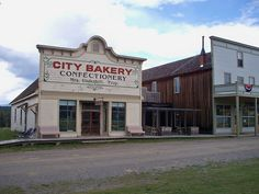 Fort Steele, British Columbia-great ghost town being restored Healthy Recipes For Weight Loss, Healthy Foods To Eat, Healthy Eating, Easy Weight Loss, How To Lose Weight Fast, Old West Saloon, Good Food, Yummy Food, Old Buildings