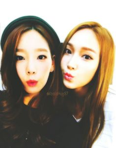 Taeyeon and Jessica Sooyoung, Yoona, Snsd, Girl Couple, 1 Girl, Yuri, Taeyeon Jessica, Kim Tae Yeon, Jessica Jung