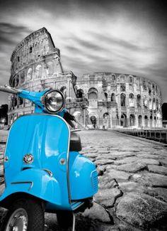 Puzzle Coliseo Roma blanco y negro Vespa azul ( Ref:  0000039399 )  de Clementoni. Ahora compra dos puzzles Clementoni y la 2ª unidad solo te cuesta 1€ hasta el 5 de junio de 2017 - en Puzzlemania (nocategorías accesorios ni para niños).