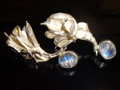 Steven Medhurst -Art Jeweller, Moonstone earrings