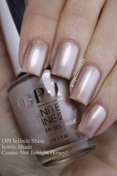 PRESS SAMPLES Hey Dolls! Coming this January 2017, OPI is launching new Infinite Shine Primer and Gloss. The three step system has a new formula which features ProStay technology that offers up to 11
