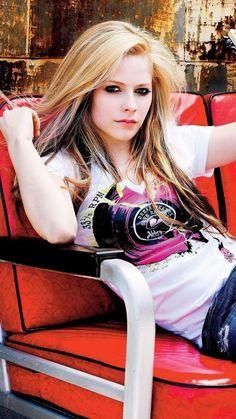 Avril Lavigne Photos, Avril Lavigne Style, Hottest Female Celebrities, Celebs, Divas, Avril Lavingne, Attractive People, Female Singers, My Idol