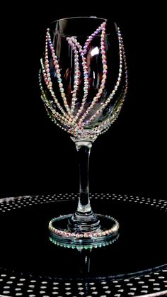 Fancy Wine Glasses, Glitter Wine Glasses, Wedding Wine Glasses, Decorated Wine Glasses, Crafts With Glass Jars, Jar Crafts, Dollar Tree Decor, Gifts For Wine Lovers, Diy Gifts