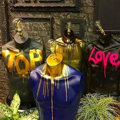 These mannequins have been adapted into table top lamps using the best quality fittings. Graffiti Furniture, Funky Furniture, Painted Furniture, Sculpture Art, Sculptures, Mannequin Art, Ideias Diy, Dream Decor, Eclectic Decor