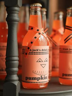 Halloween-Theme Bottle Wrap: Cute for a party