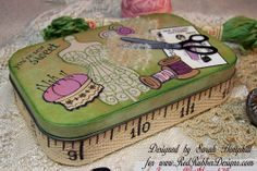 altered altoid tins | covered the tin with paper from the angelee patterned