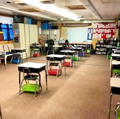 23 Back-to-School Hacks For Teachers During the Pandemic Kindergarten Classroom Setup, Classroom Hacks, Classroom Layout, Classroom Organisation, Classroom Setting, Classroom Design, Future Classroom, Organization, School Classroom