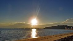 13 Sept. 6:36 今日の日差しは強そうです。 The sun is so strong ( Morning Now at Hakata bay in Japan )