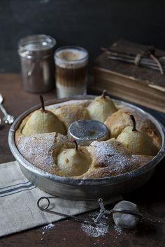 Otra vez llega el otoño a Divino Macaron, y por supuesto con él, llegan las peras.      Nuestras tan queridas y deliciosas ... Macarons, Camembert Cheese, Cooking Recipes, Sweets, Desserts, Grandma's House, Food, Virginia, Cottage