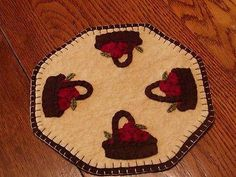 """Woolfelt Saltbox Houses w//willow trees 11/"""" Primitive Candle Mat"""