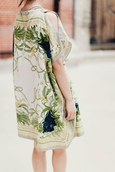 Silk scarf Kaftan tutorial has great step by step photos and instructions for this super look. | diyready.com