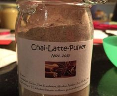 Chai-Latte-Pulver Latte macchiato powder for homemade latte (also possible without milk powder) – nice gift idea – www. Chai Latte, Kitchen Buffet, Diy Mugs, Painted Mugs, Powdered Milk, Cocktail Drinks, Cocktails, Coffee Recipes, Diy Food