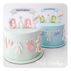 Baby shower partileri için hazırladığımız bu pastamız bu aralar en çok tercih edilen modellerimiz arasında:) Bu yüzden son zamanlarda bu pastanın bir çok renk kombinasyonunu çalıştık. Fulya ve Doru...