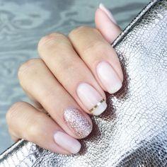 Neutral nails #jamberry #lattejn #trushine #partydressjn #metallicgoldstripejn #nnyjams #neutralnails #mani #sparkle