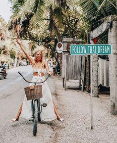 Places to travel, travel destinations, adventure awaits, adventure travel, Foto Blog, Foto Instagram, Disney Instagram, Photos Voyages, Foto Pose, Travel Aesthetic, Travel Goals, Travel Style, Travel Vlog