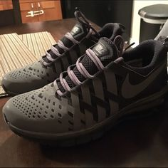 d1a5c77aee092 Men's Nike Fingertrap Max Men's Nike Fingertrap Max size 8.5 in good  condition! Nike Shoes
