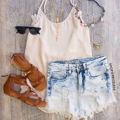 Lace top, denim cut offs and sandals: perfect Summer outfit
