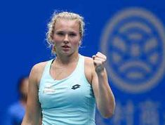 TENNIS GRAND SLAM : WTA INTERNATIONAL , SHENZHEN : KATERINA SINIAKOVA BATTE MARIA SHARAPOVA , SFIDERA ' HALEP IN FINALE Maria Sharapova é stata sconfitta in semifinale al torneo Wta International di Shenzhen, torneo in corso di svolgimento sui campi in cemento della città cinese e dotato di un montepremi pari a 750.000 dollari. La russa ha perso in tre set, col punteggio di 6-2 3-6 6-3, contro ... #tennis #grandslam #wtashenzhen