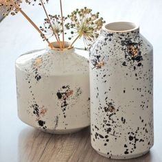 8 Fabulous Cool Tricks: Black Vases Clay large vases entry ways.Old Vases Shabby Chic tall vases beautiful.Tall Vases Home Decor. Wooden Vase, Ceramic Vase, Vase Centerpieces, Vases Decor, Vase Vert, Clear Vases, Small Vases, Big Vases, Watercolor Flower