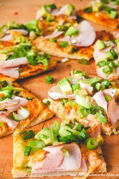 Heute gibt es mal wieder ein Pizzarezept auf Geschmacks-Sinn. Denn ich liebe Pizza! Bisher muss ich allerdings gestehen, war ich mit meinen selbstgemachten Pizzen nicht ganz so zufrieden. Sie waren…
