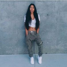 Tomboy Outfits, Swag Outfits, Casual Outfits, Fashion Outfits, Ropa Hip Hop, Sweatpants Outfit, Pretty Girl Swag, Outfit Goals, Zendaya
