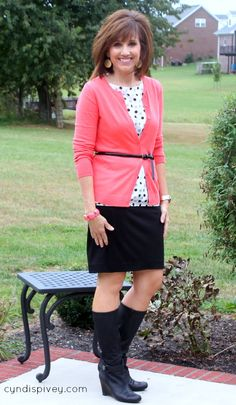 Here we are Day 16 of 31 Days of Fall Fashion 7 Beauty Tips. We're Building Your Fall Wardrobe and no wardrobe would be complete without the pencil skirt.
