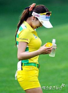 Because of this picture, Shin Ae Ahn or Sharon Ahn , a Korean golfer ...