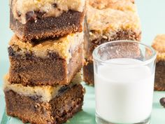From the YOU kitchen: Top-deck chocolate brownies South African Desserts, South African Recipes, Chocolate Volcano, Chocolate Brownies, Cupcake Recipes, Cupcake Cakes, Dessert Recipes, Cupcakes, Top Deck Chocolate