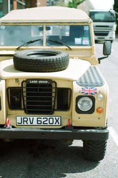 I <3 Land Rover.