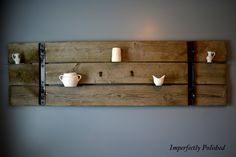Gorgeous rustic barn door shelf (with directions! Barn Board Decor, Barn Boards, Eclectic Gallery Wall, Chic Antique, Old Barn Doors, Reclaimed Doors, Rustic Shelves, Wood Shelf, Barn Wood Crafts