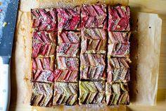 almond rhubarb picnic bars