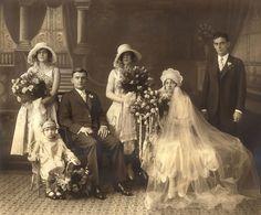 Vintage Victorian wedding party
