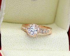 Inel placat cu aur, elemente Swarovski Stellux si diamante austriece. http://www.bodyandbijoux.ro/bijuterii-placate-cu-aur/inele-placate-cu-aur.html
