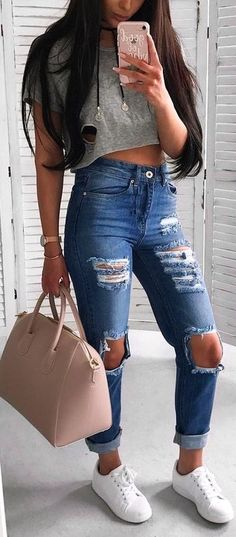 #summer #outfits / gray crop top + ripped jeans