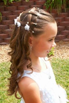 Party Braided Hairstyles for Little Girls In 2020 Baptism Picture Hair Girls Hairdos, Cute Little Girl Hairstyles, Flower Girl Hairstyles, Party Hairstyles, Hairstyles For School, Braided Hairstyles, Wedding Hairstyles, Wedding Updo, Braided Updo