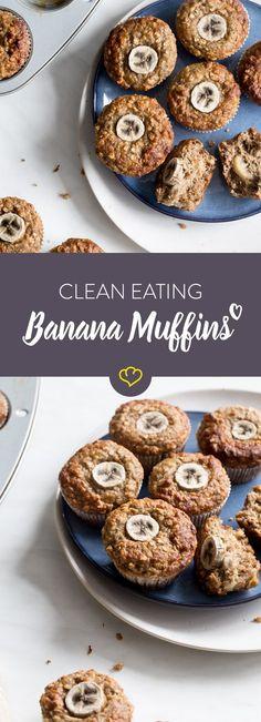 Ohne Mehl und ohne raffinierten Zucker - diese Bananen-Muffins sind für alle Clean Eater ideal als Snack für zwischendurch oder als kleines Frühstück to go.