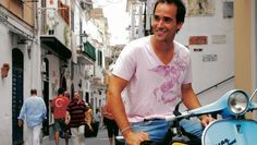 David Rocco and his dolce vita :-) oh cooking shows. Simply Beautiful, Beautiful People, Italian People, Italian Chef, Movie Stars, David, Amalfi, Chefs, Cooking