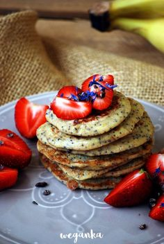 Kuchnia wegAnki: Owsiane pancakes z makiem Pancakes, Food And Drink, Gluten Free, Breakfast, Cook, Recipes, Morning Coffee, Crepes, Glutenfree