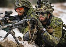 """Members of the Battle Group Latvia prepare to defend their position against the enemy during the Exercise at Camp Ādaži, Latvia. Canadian Soldiers, Canadian Army, Gi Joe, Force Pictures, Military Police, Military Uniforms, Support Our Troops, Action Poses, Special Forces"