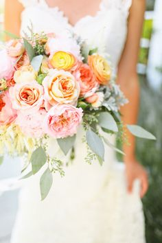 Orange, Peach, and Mint Fall Bouquet #bouquets #style