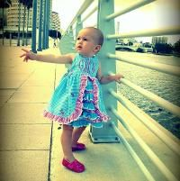 Sewing : Peek A Boo Ruffle Front Birthday Dress