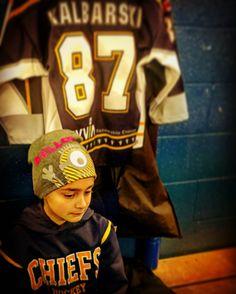 Getting ready for the game... #hockey #girlshockey #icehockey #hockeygirl #lockedin #skatehard #playhard #battlehard @mississauga_chiefs