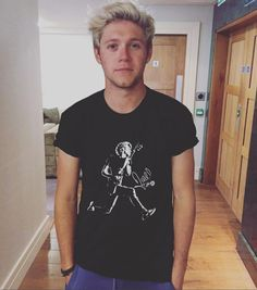 IN DE-NIALL How old is Niall Horan, what's former One Direction singer's net worth, does he have a girlfriend and what solo music has he released? – Entertainments Weekly