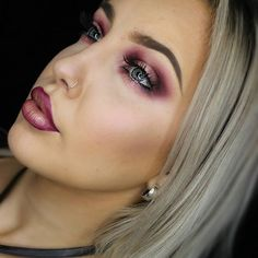 BURGUNDY HALO🍇🍒🍄  #noburgundyemoji #maccosmetics #maccosmeticsaustralia #yesmacaushare #haloeyes #Perthmua #MACmua @maccosmetics @maccosmeticsaustralia Halo Eye Makeup, Mac Cosmetics, Burgundy, Hair Beauty, Make Up, Prom, Eyes, Instagram Posts, Senior Prom