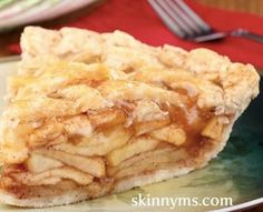 When my family wants a sweet treat, I still keep it clean!  This recipe for Clean Eating Apple Pie is fantastic!  #cleaneating #applepie
